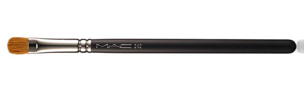 MAC-Electric-Cool-Eyeshadows-242-Shader-Brush