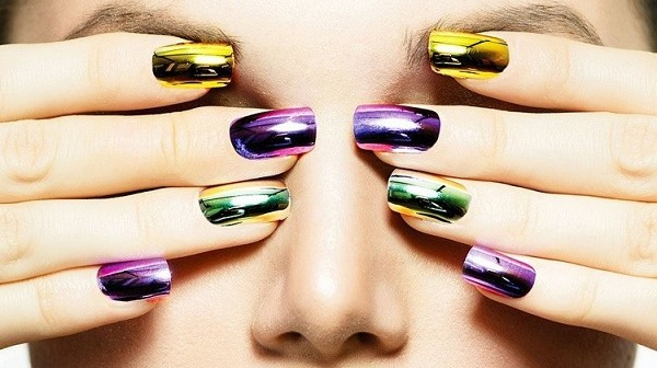 mirror_nails_trend_2016