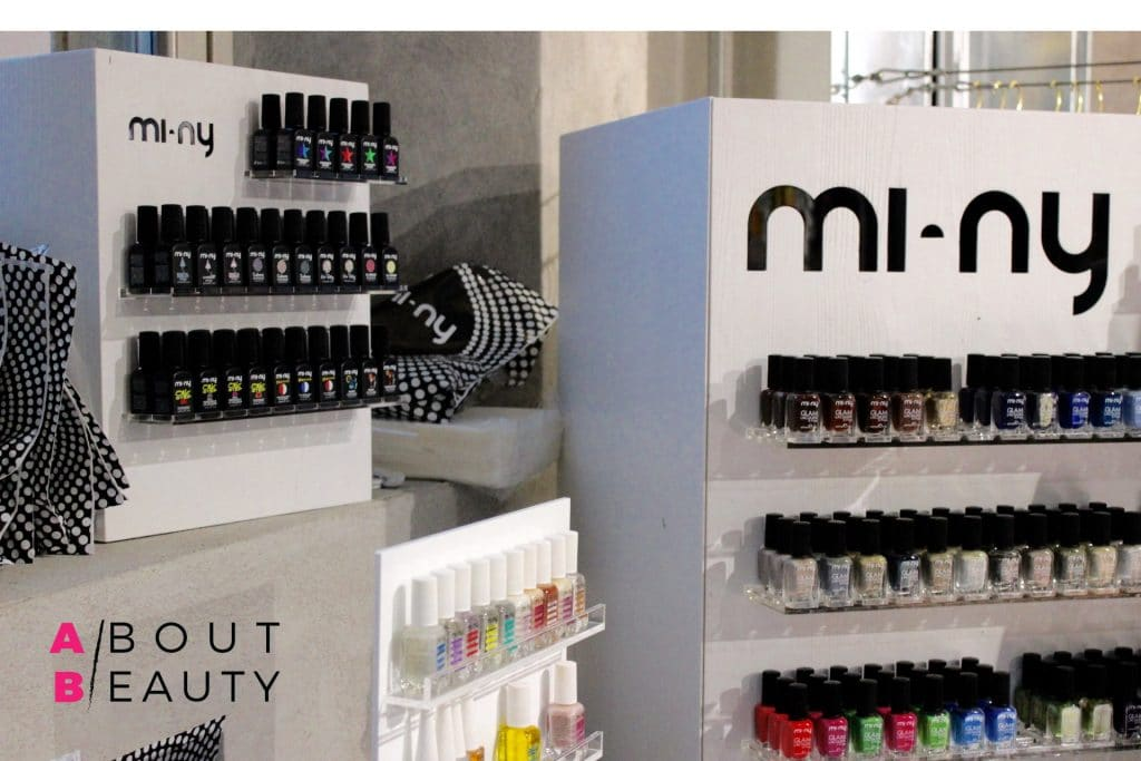 mi-ny-chromatic-mirror-powder-espositori