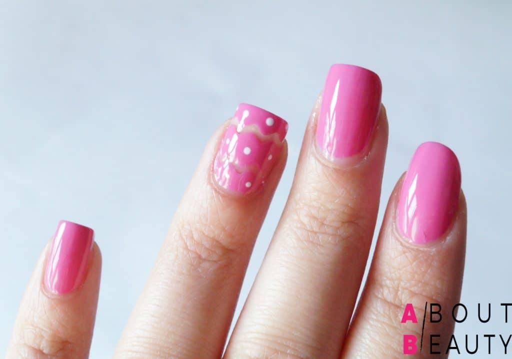 Spring Nails: ecco il tutorial per una perfetta nail-art primaverile semplice e vivace - Step 5: realizzazione dei pois a contrasto