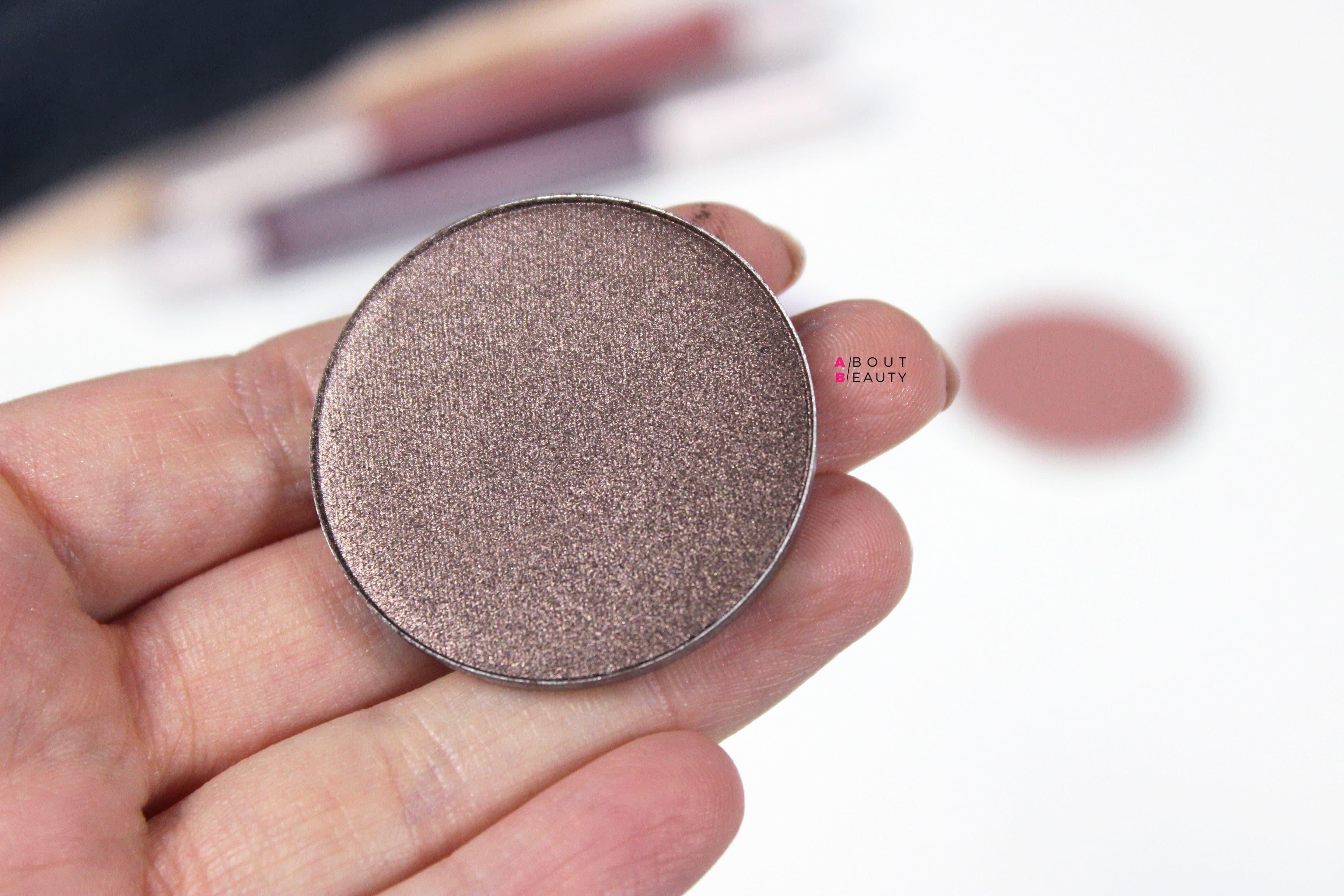 Neve Cosmetics Grungelic - Swatches e prime impressioni su Date, ombretto minerale in cialda