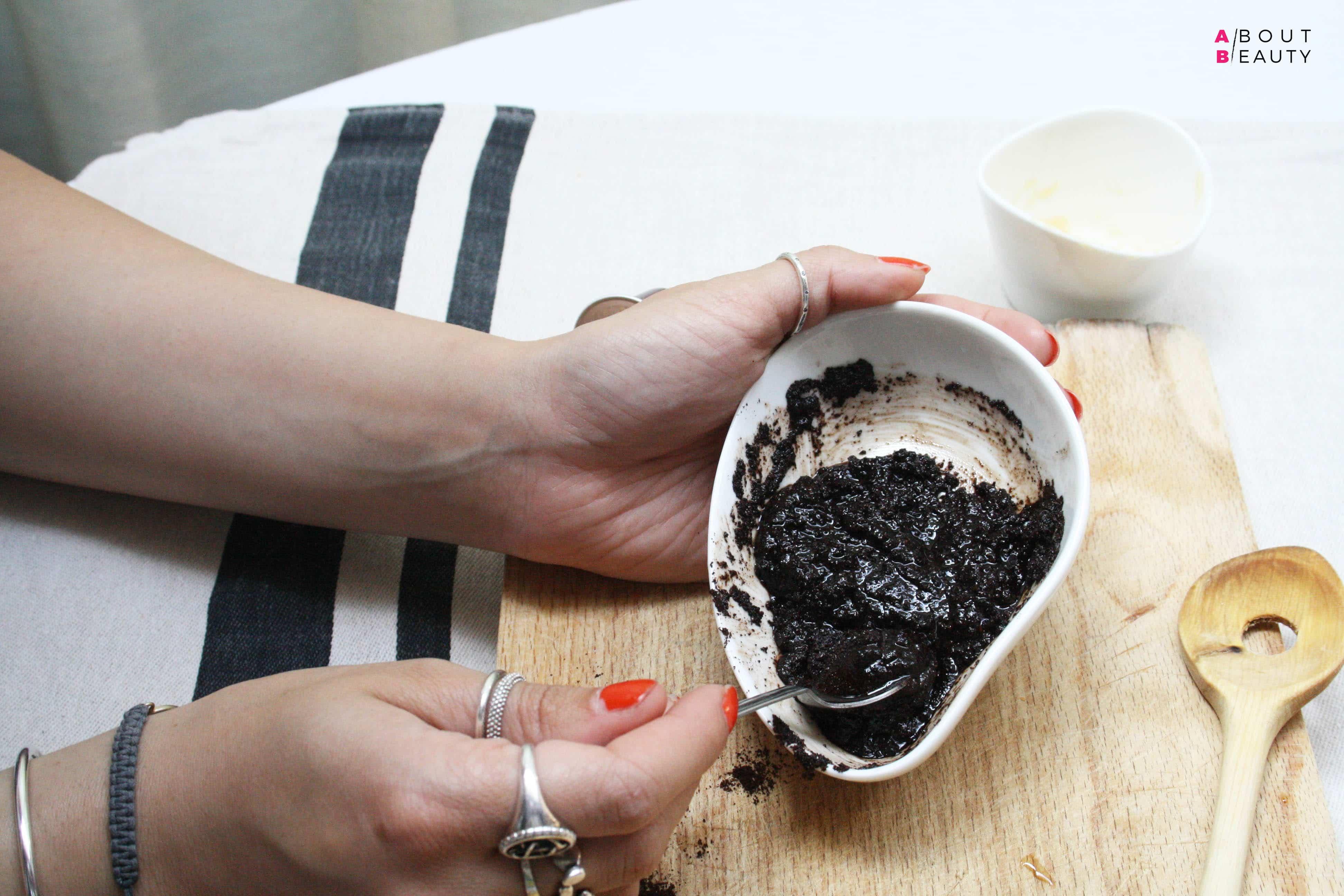 Le ricette di bellezza di About Beauty - Scrub Energizzante al Caffè Fai Da Te
