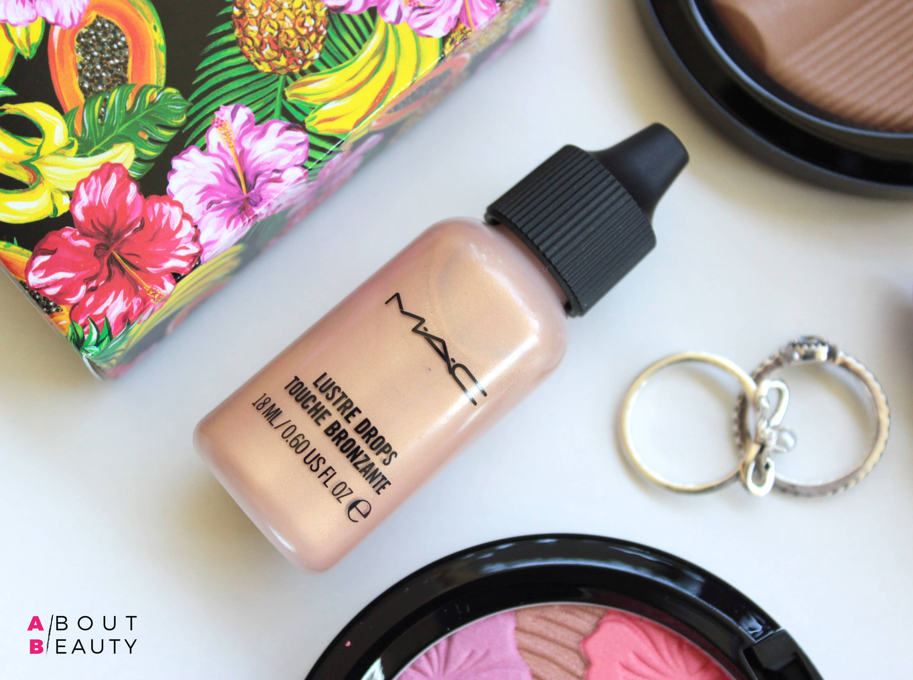 MAC Fruity Juicy Lustre Drops Touche Bronzante - Review, Swatch, opinioni e comparazioni dell'illuminante liquido Sun Rush in limited edition