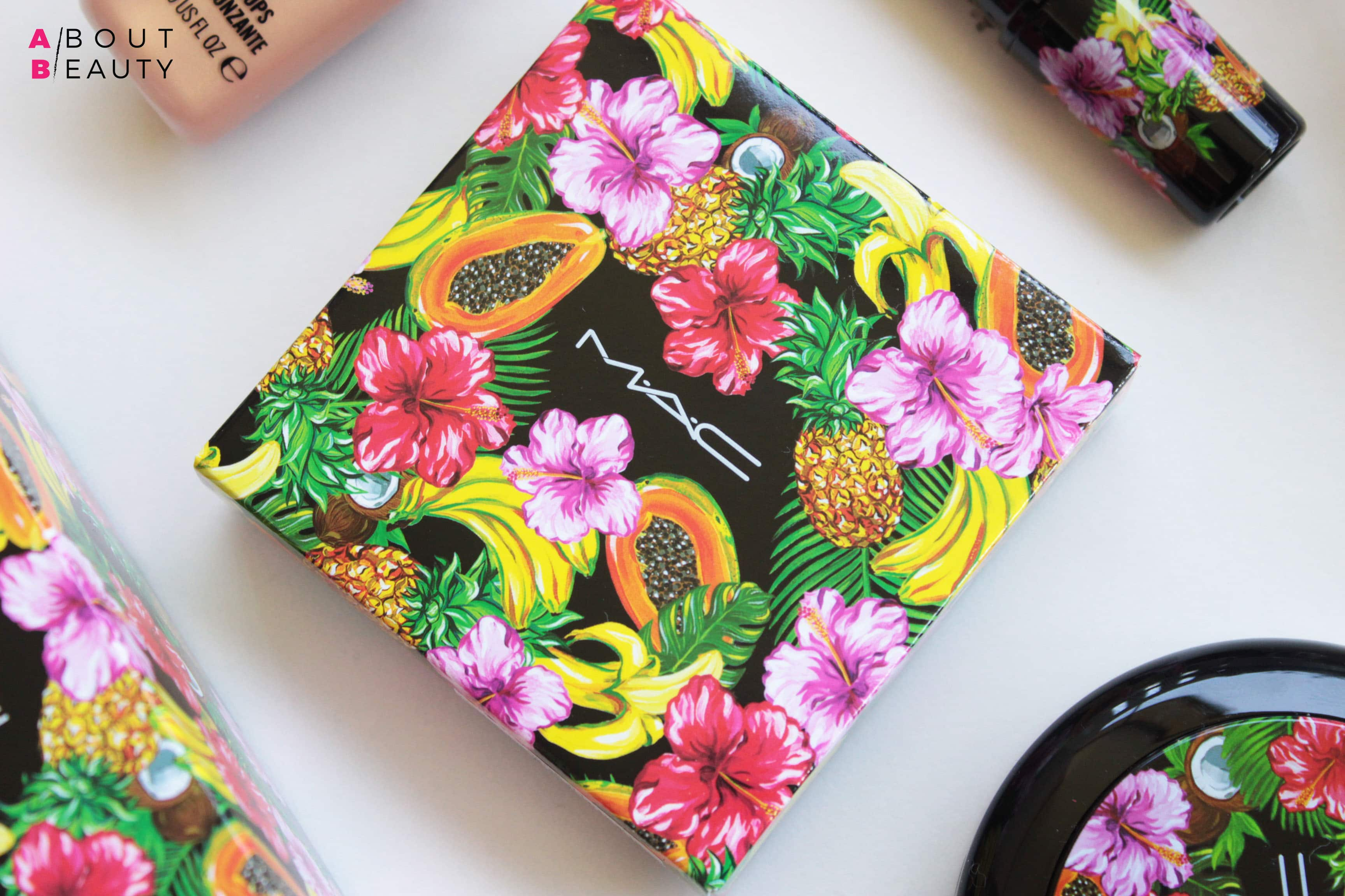 MAC Fruity Juicy Studio Sculpt Defining Bronzing Powder - Review, Swatch, opinioni e comparazioni della terra da contouring Studio Sculpt Defining Bronzing Powder Delicates in limited edition