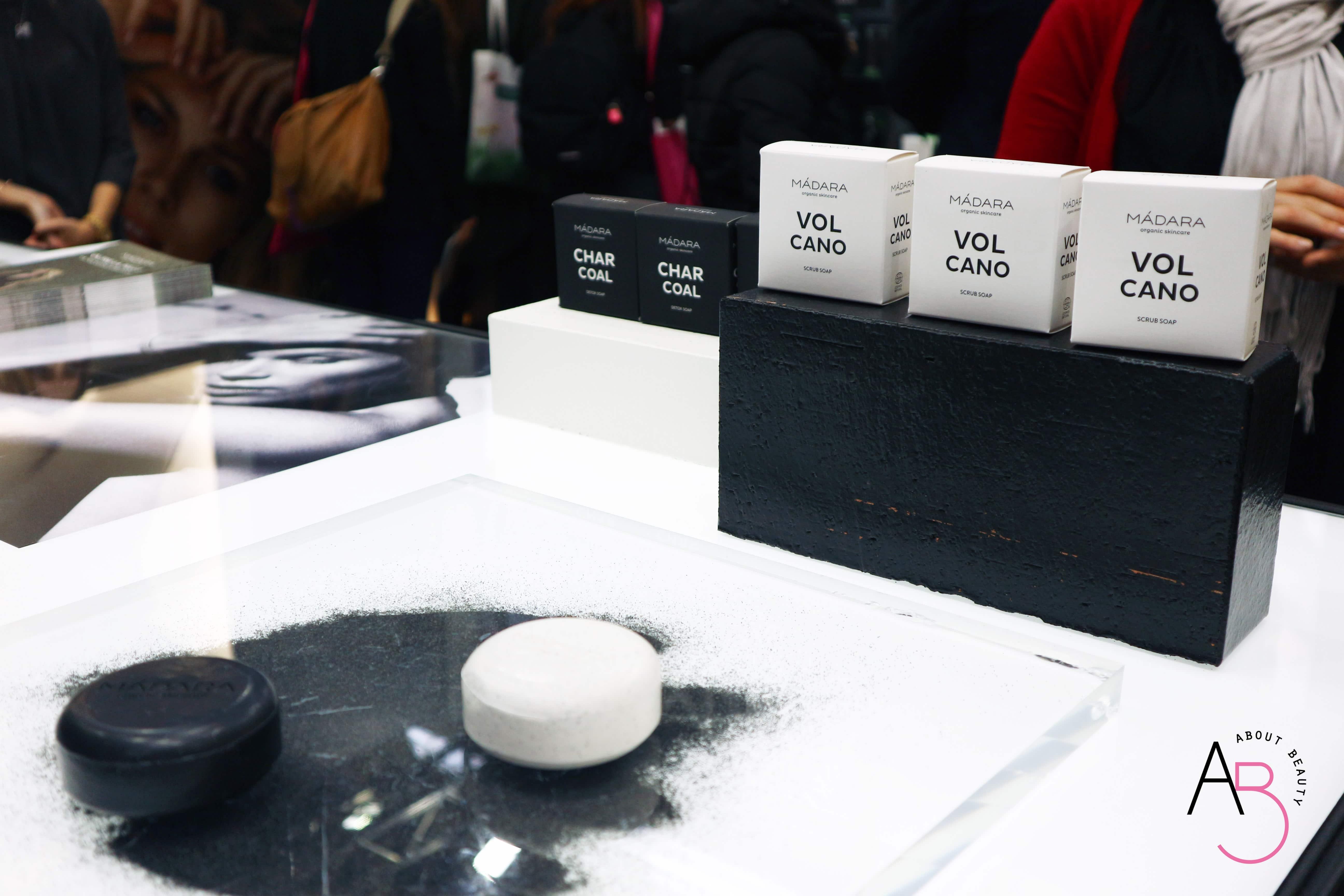 Pillole dal Cosmoprof #2 - Madara e Lavera - Madara Boost Hyaluronic Collagen review, recensione, info, prezzo, dove acquistare - Saponi Volcano Soap