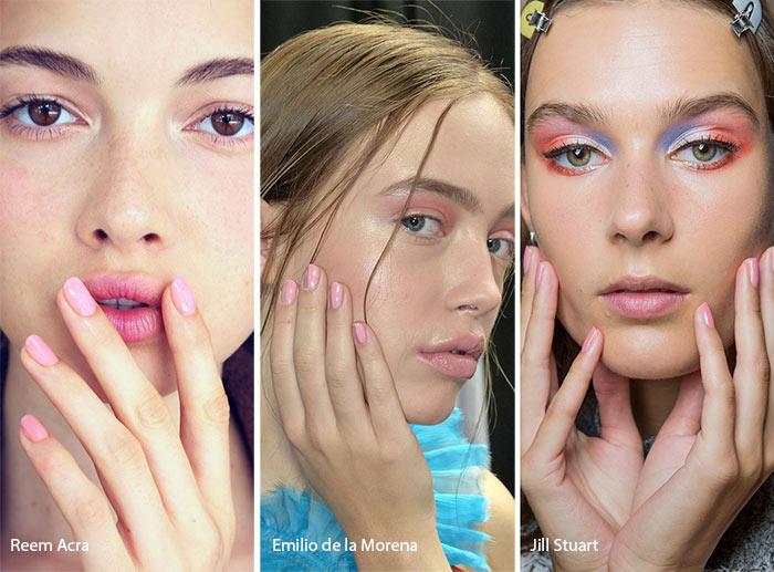 Tutte le tendenze unghie primavera/estate 2018: unghie corte rosa barbie
