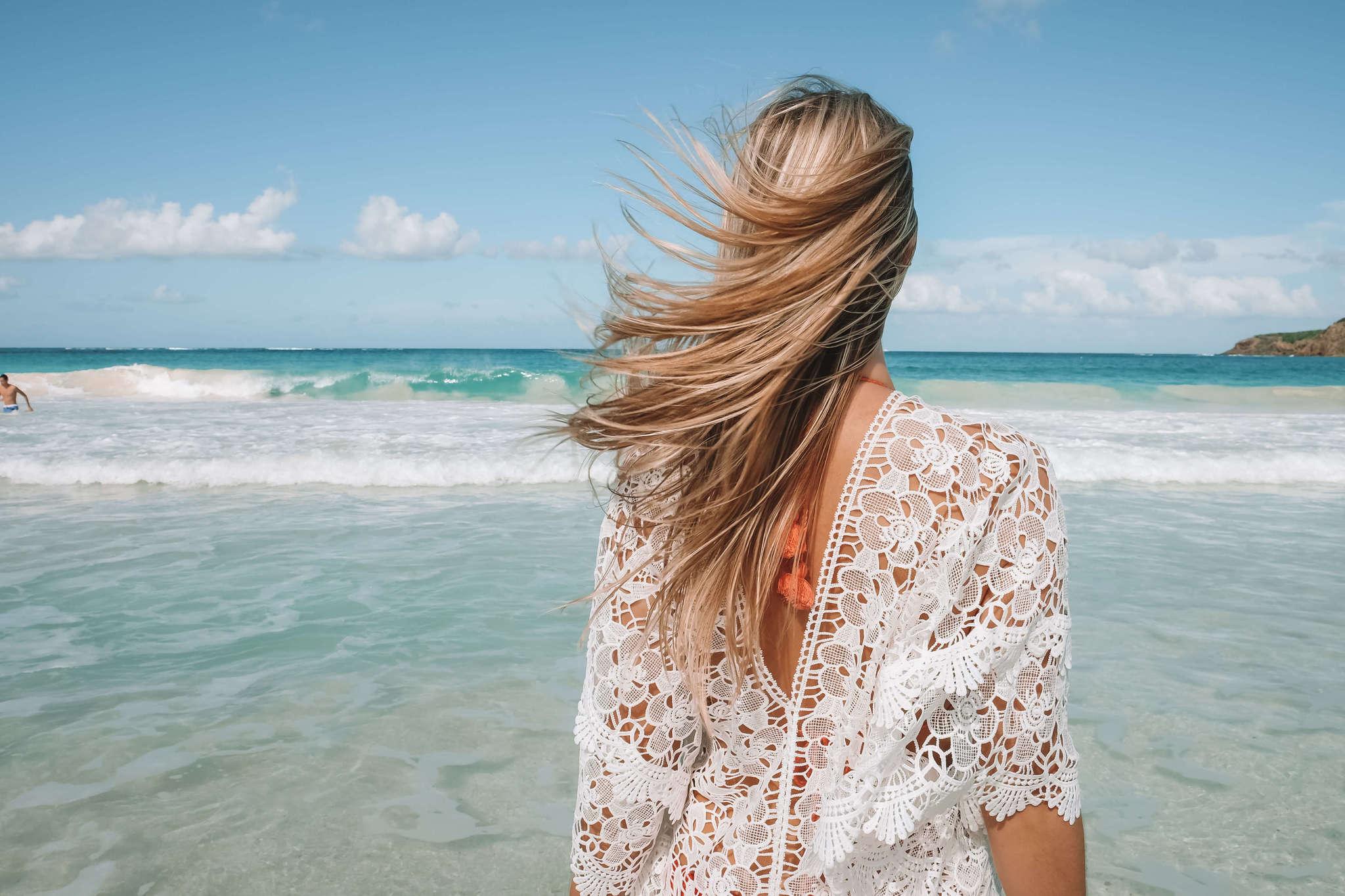 Come schiarire i capelli naturalmente: cinque ricette facili, veloci e low cost