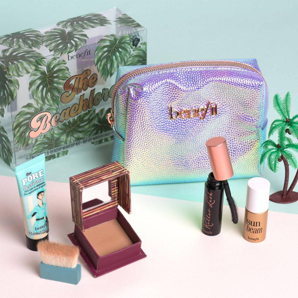 È arrivato il nuovo fondotinta Hello Happy di Benefit Cosmetics e tantissime altre novità: kit estivi, nuove matite e molto altro