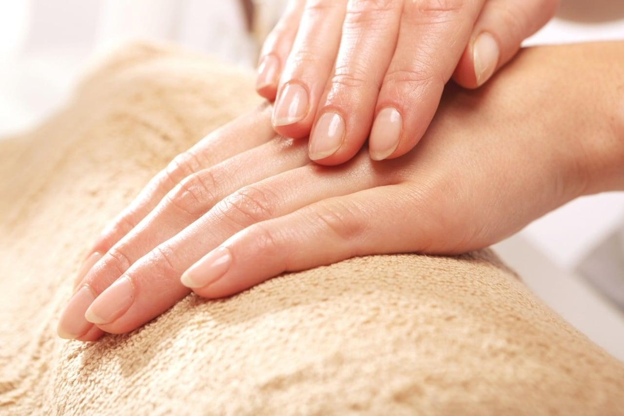 Malattie delle unghie - Onicomicosi e onicodistrofia: cause, sintomi e prevenzione