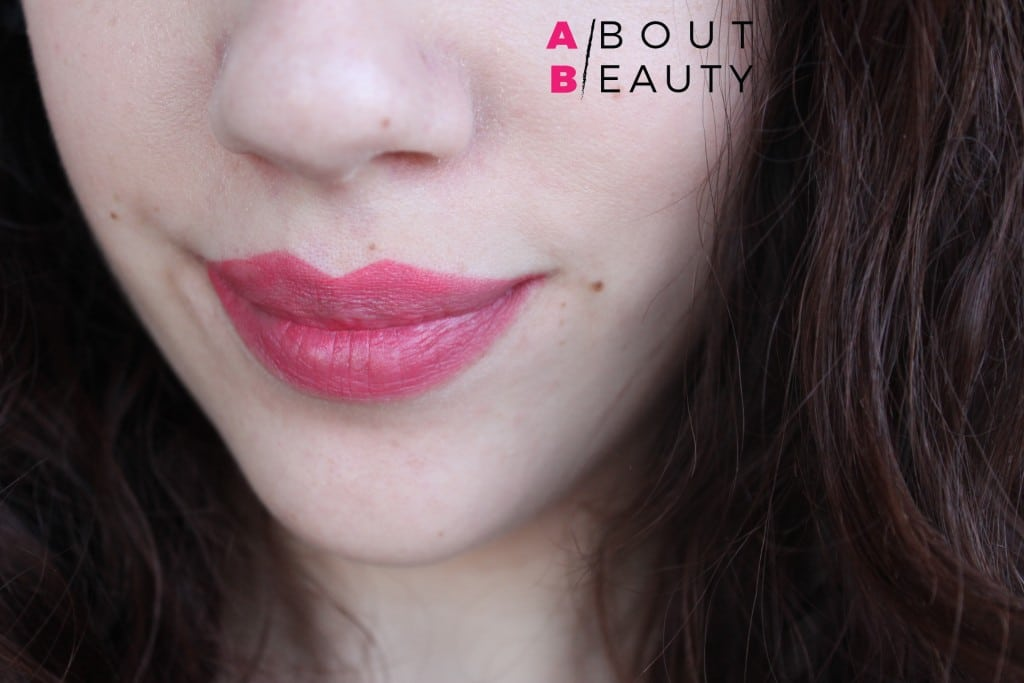 Wycon_Long_Lasting_Liquid_Lipstick_Lampone_18_Rosa Corallo_Review