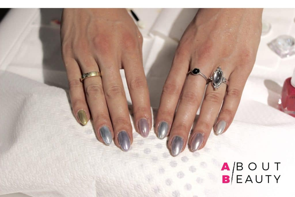 mi-ny-chromatic-mirror-powder-manicure