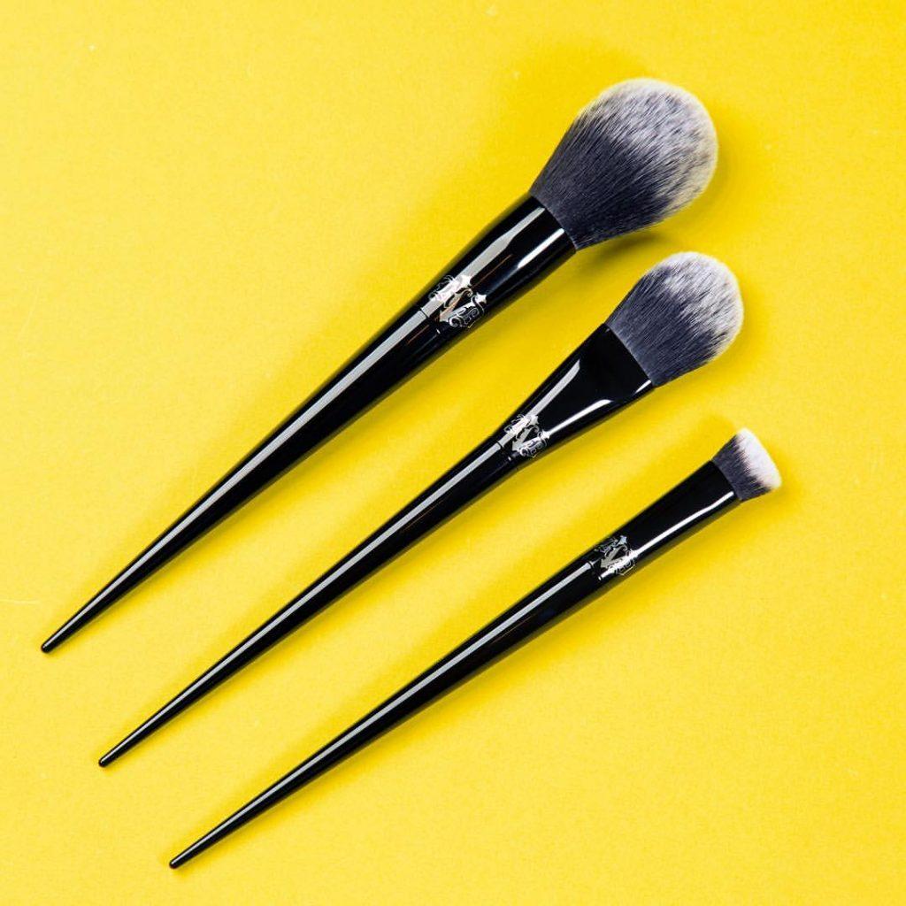 Kat Von D Beauty, i prodotti da non perdere: i pennelli trucco