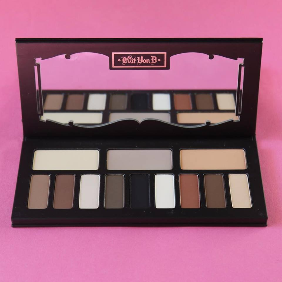 Kat Von D Beauty, i prodotti da non perdere: Shade + Light Eye Contour Eyeshadow Palette