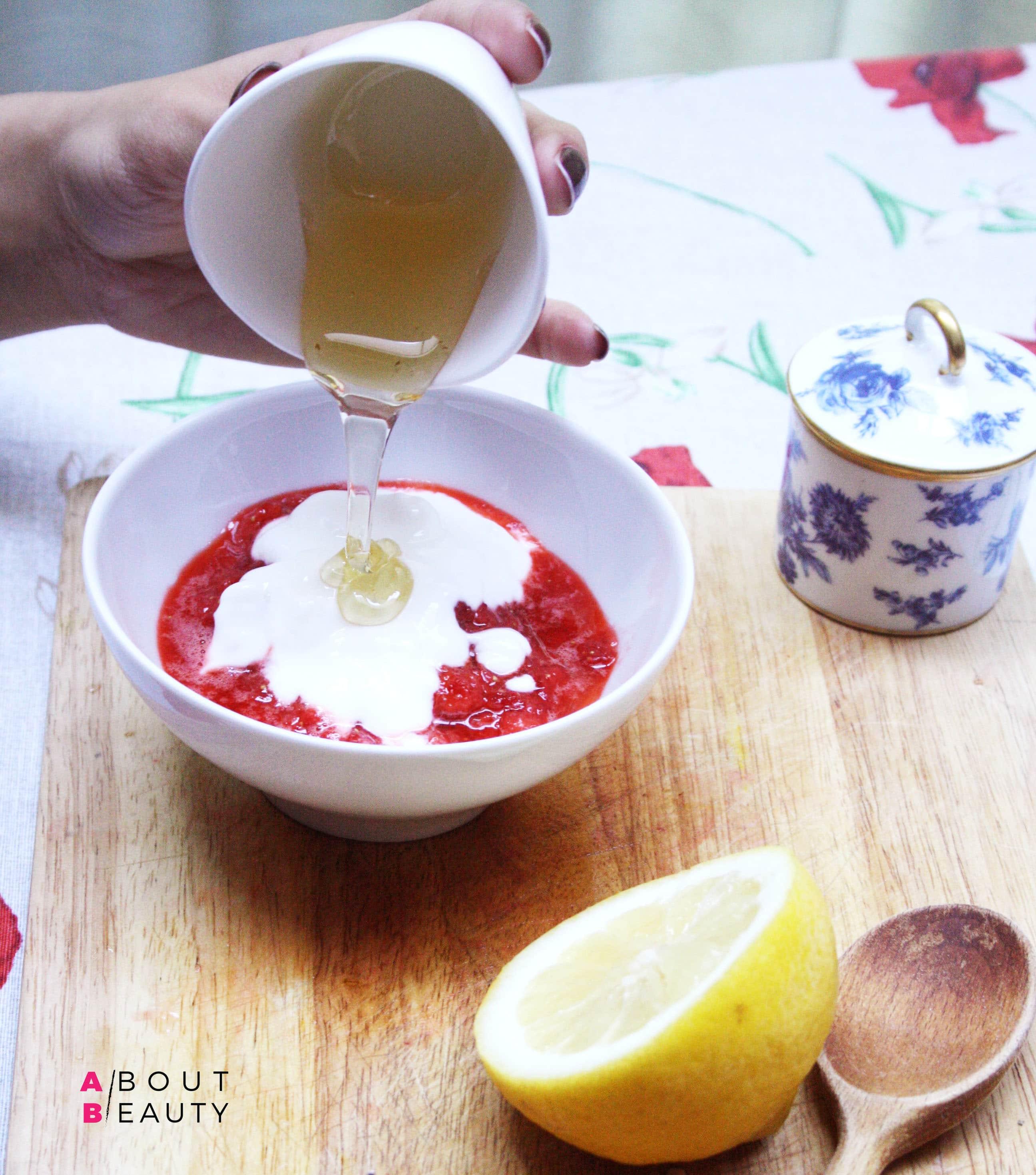 Maschera alle fragole - Le ricette di bellezza di About Beauty - Il procedimento