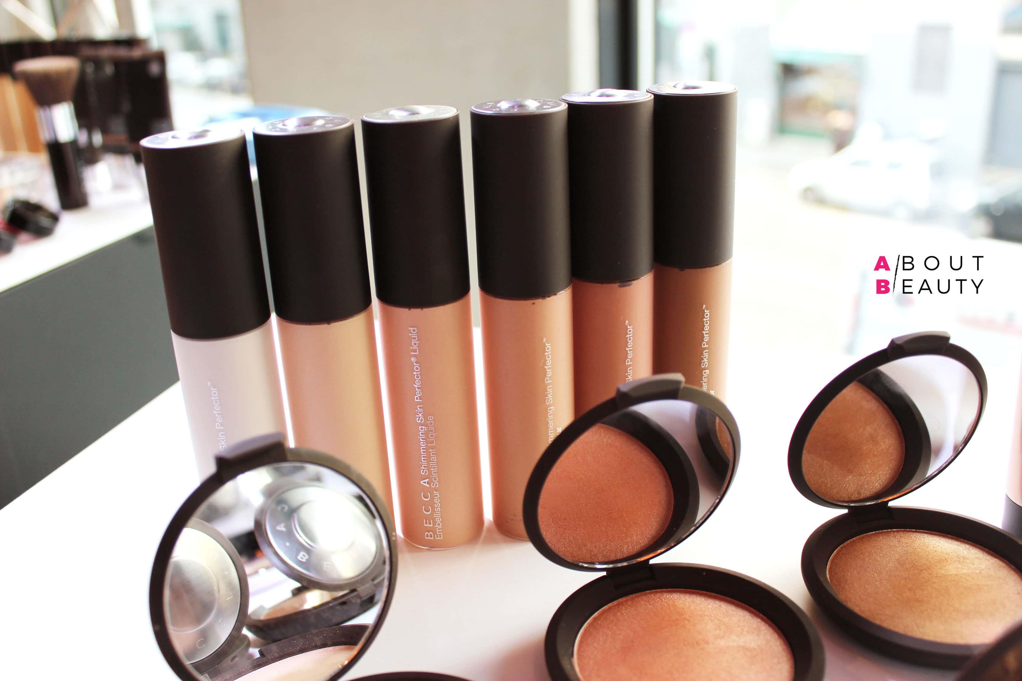 Becca Shimmering Skin Perfector Liquid: un liquido illuminante ideale per tutti i tipi di incarnato, disponibile in 6 tonalita