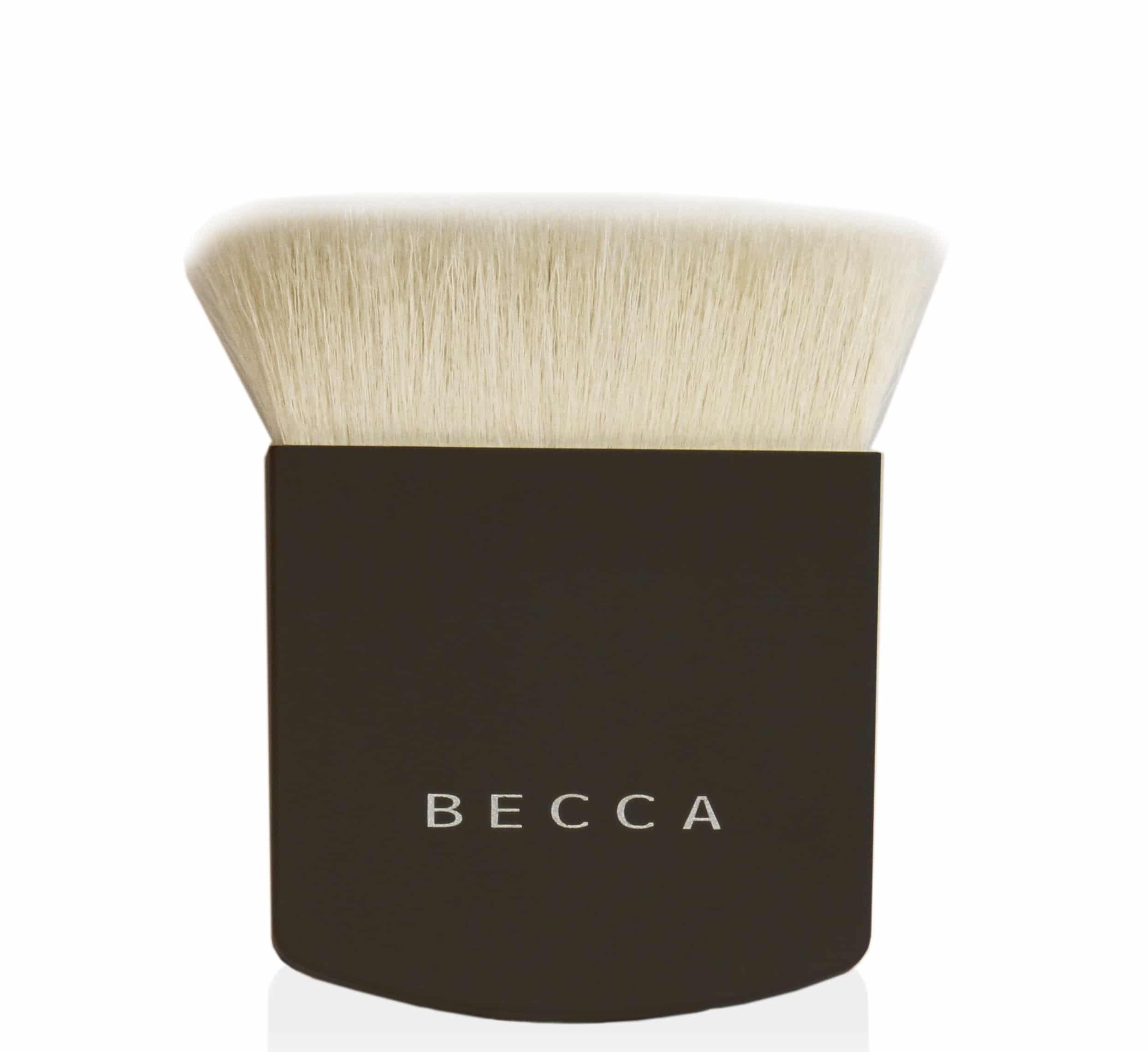 Becca The One Perfecting Brush: un pennello rivoluzionario e versatile, adatto per stendere ogni tipo di prodotto