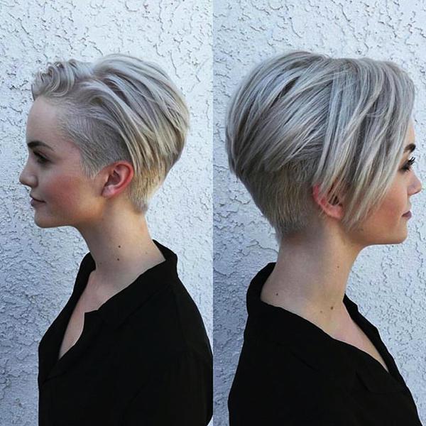 Tagli corti capelli ricci undercut