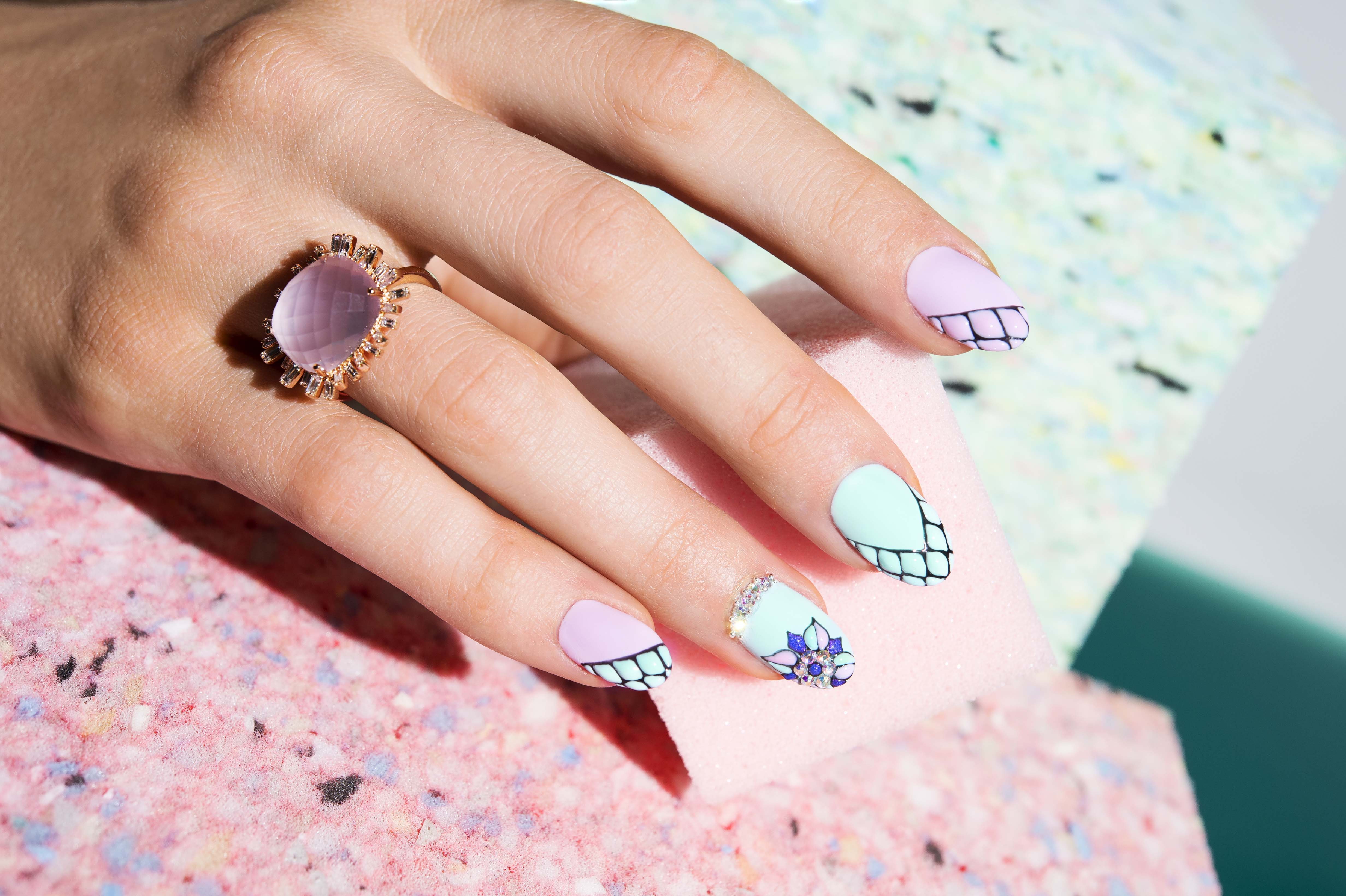 Pronails Clash couture manicure 3D blooming