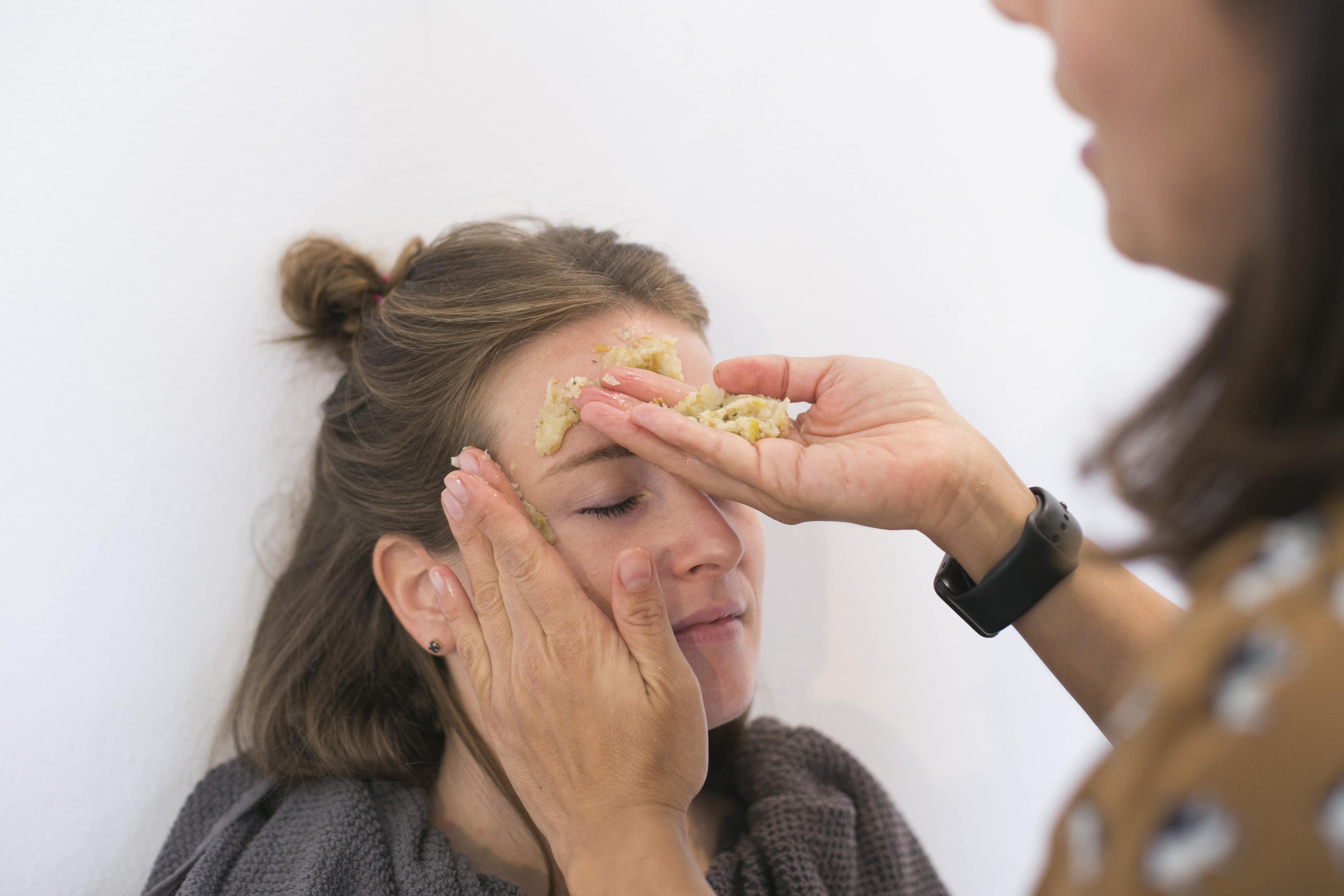 Maschere di bellezza fai da te con Imetec SuccoVivo Pro 2000 - Info, prezzi, funzionamento, ricette - Maschera viso nutriente antistress