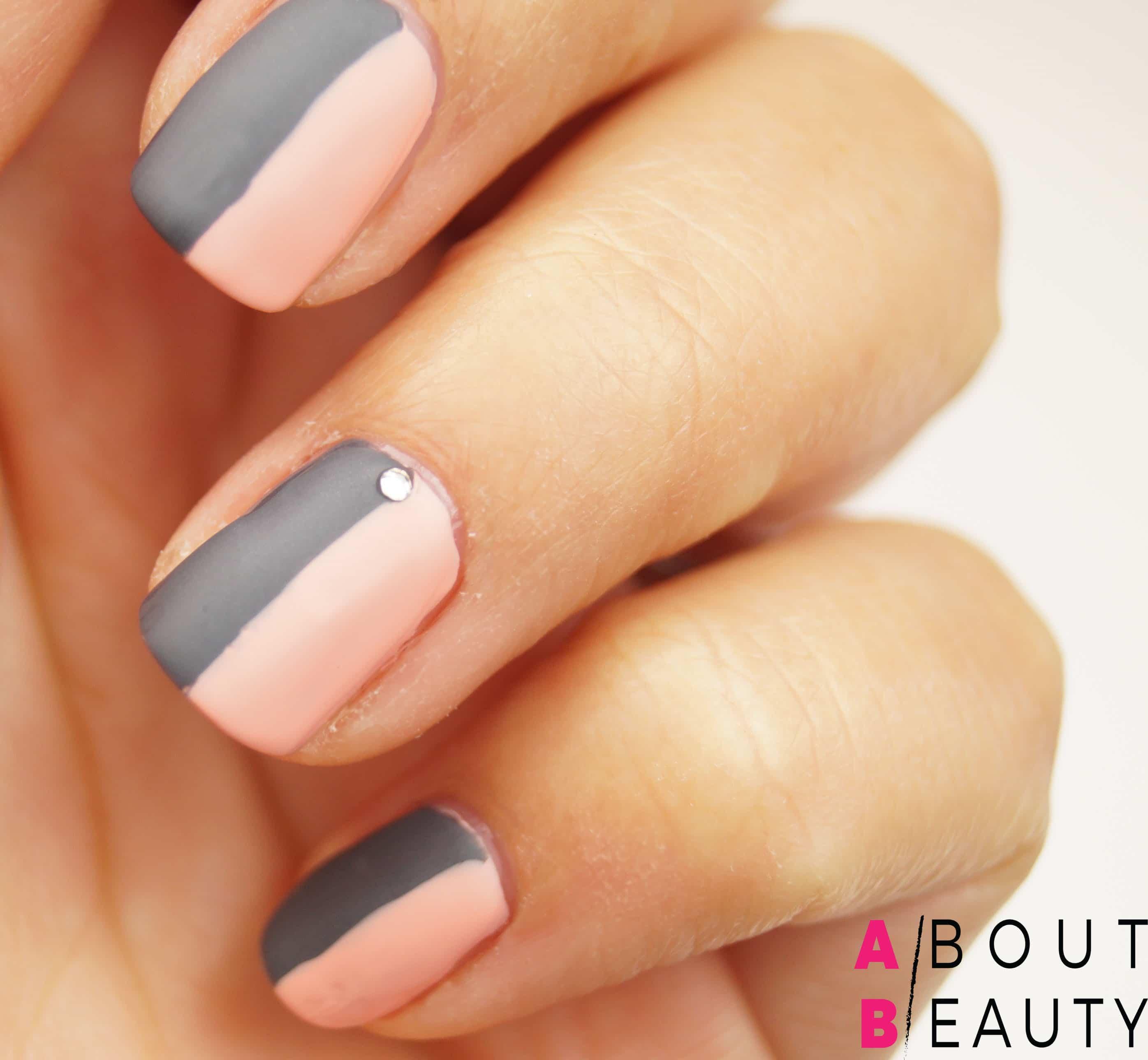 Tutorial nail-art autunnale rosa e grigia effetto matte con Swarovski