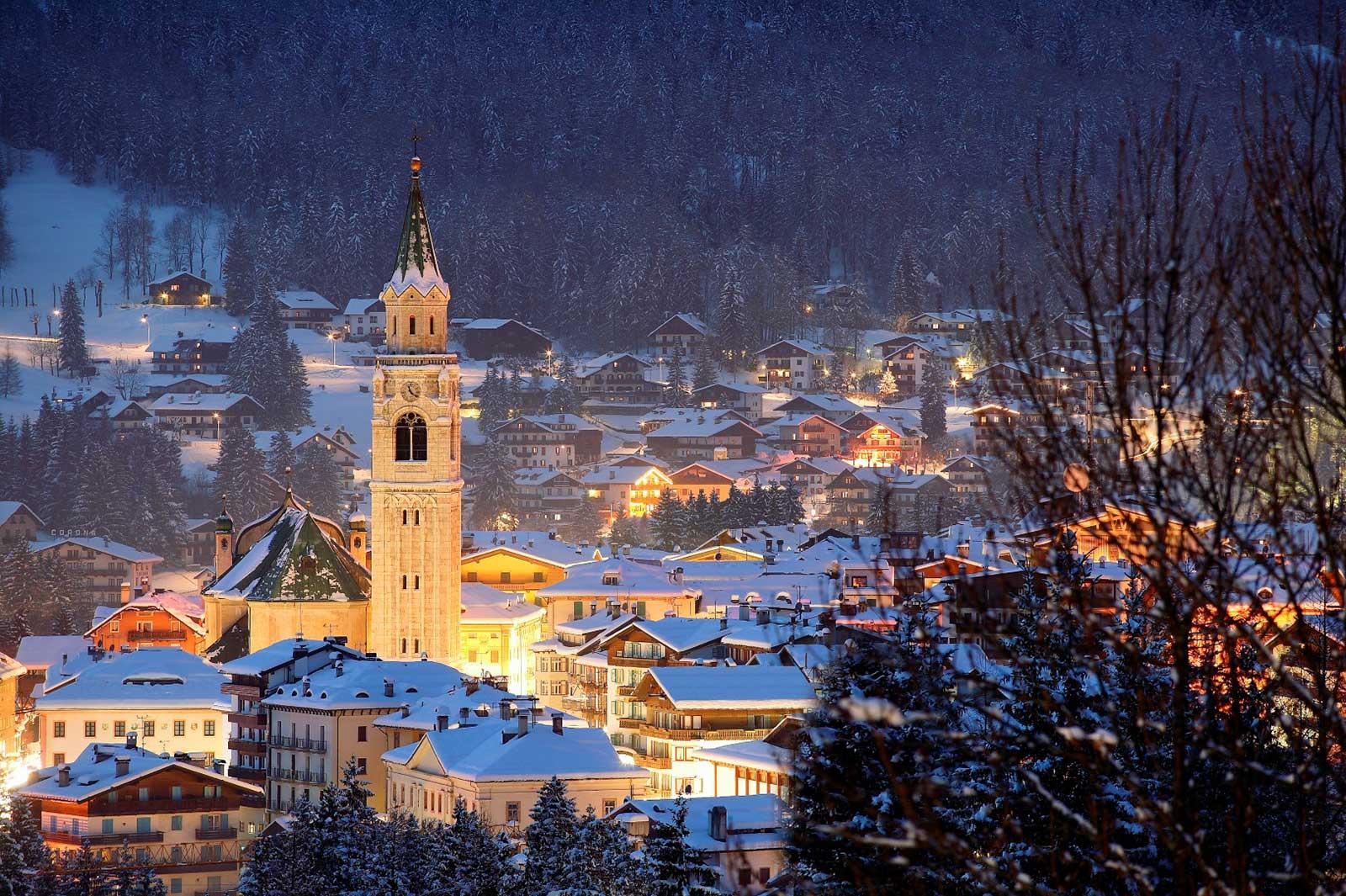 Shopping natalizio, i mercatini di Natale più belli, Cortina d'Ampezzo
