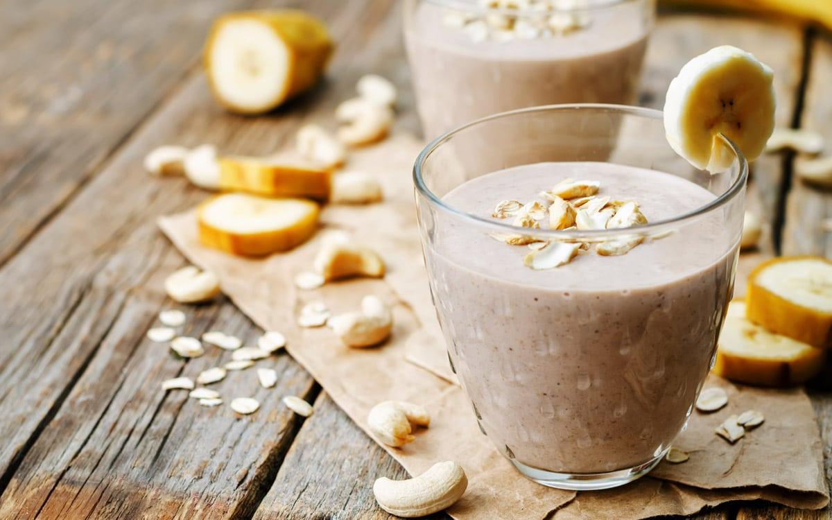 About Beauty alimenti che favoriscono il sonno - ricette naturali contro l'insonnia - Smoothie banana e avena