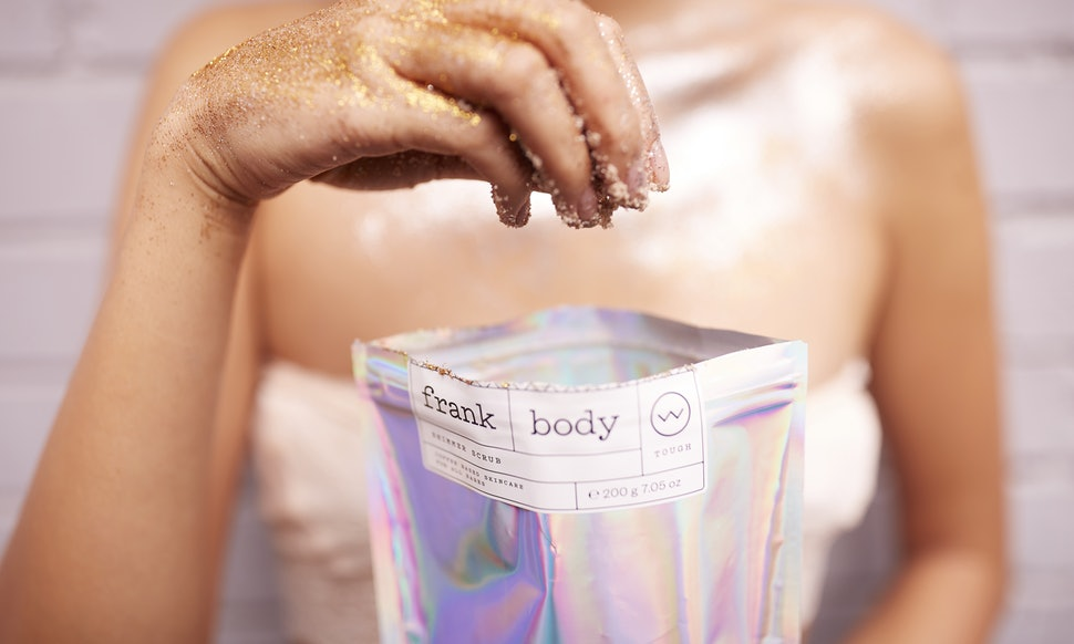 Il nuovo Frank Body Shimmer Scrub per una pelle sana e splendente!