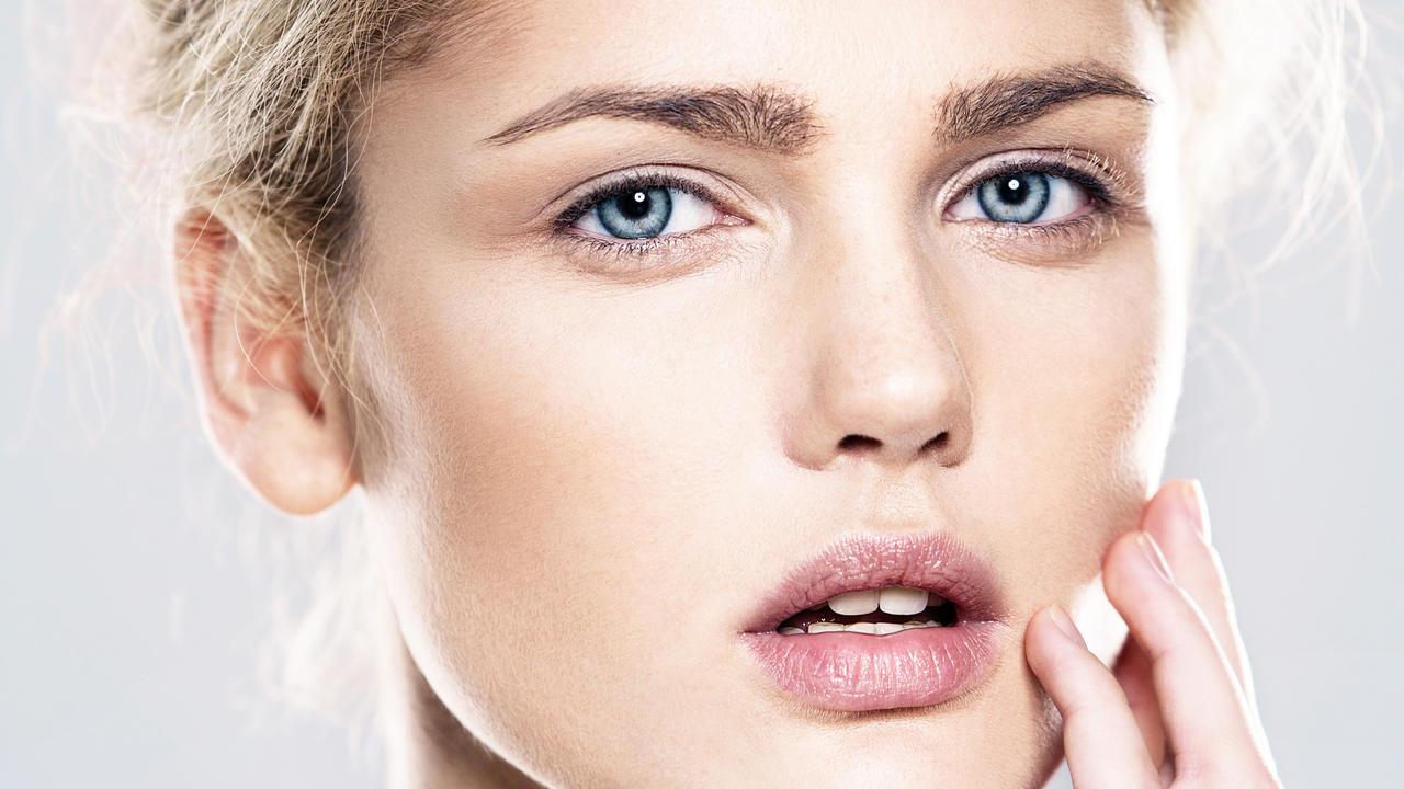 Cinque rimedi naturali per combattere l'acne
