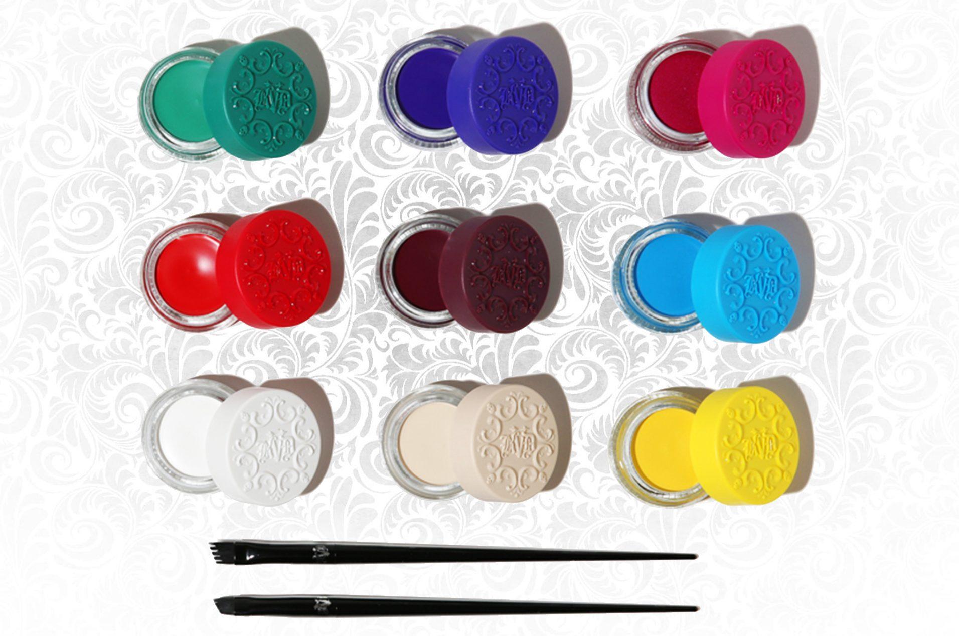 La nuova Kat Von D Brow Collection, l'esclusiva linea per sopracciglia completa di prodotti in crema, ombretti per sopracciglia e matite di precisione - Info, swatch, review, recensione, opinioni, dove acquistare - 24-Hour Super Brow Long-Wear Pomade