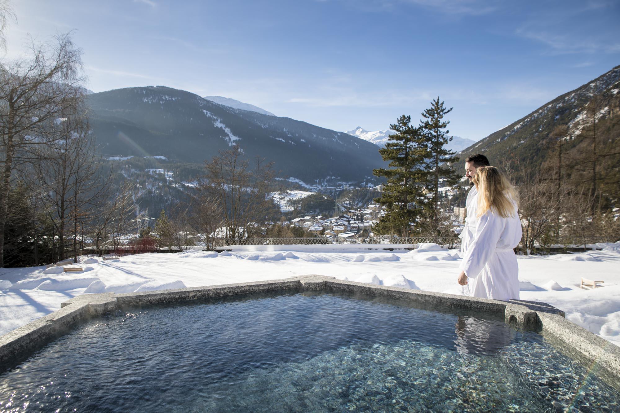 Undici originali idee regalo per lui per San Valentino 2019 - beauty, accessori, gioielli, tech, tecnologia, libri, esperienze - QC Terme spa massaggio di coppia