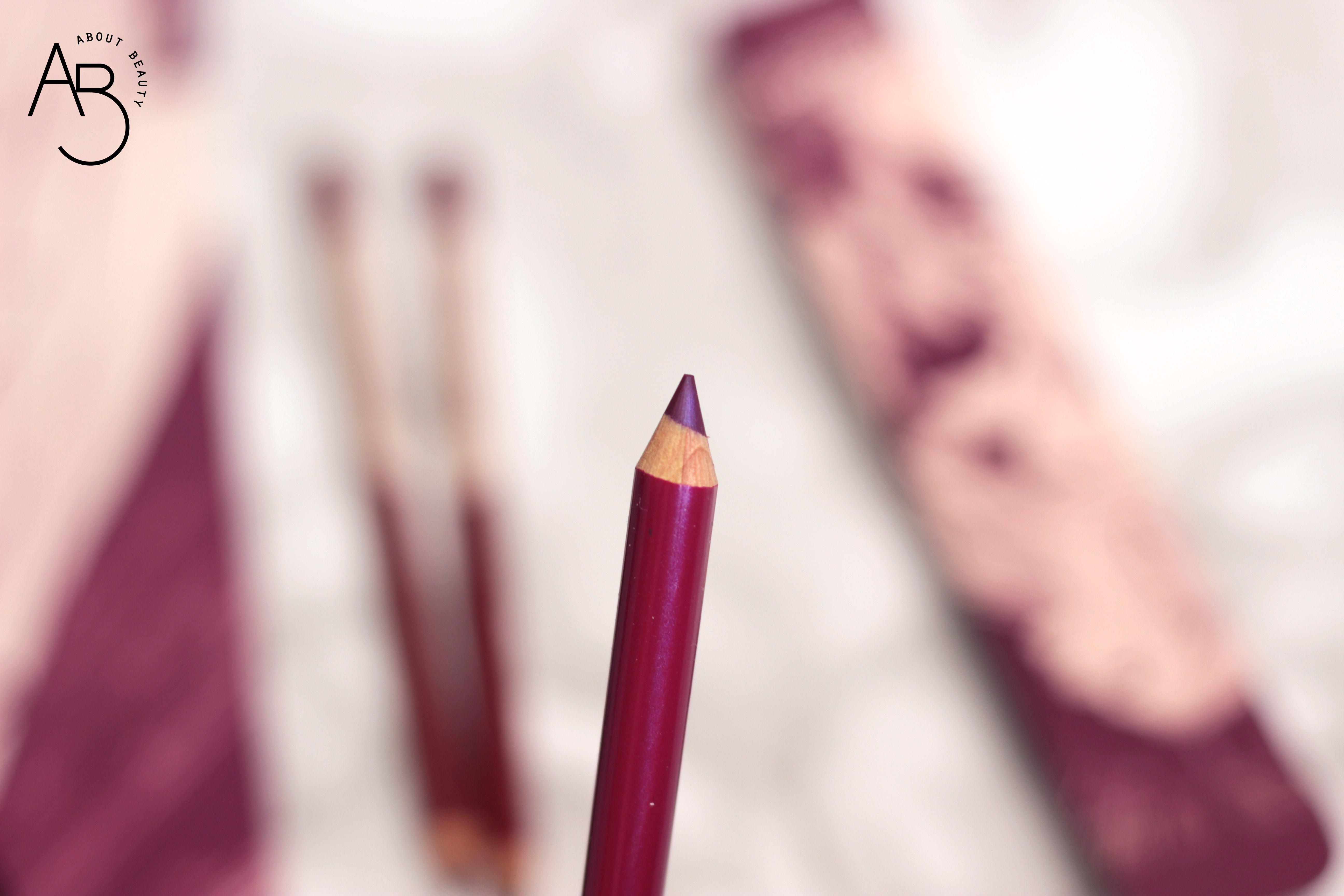 Neve Cosmetics Superheroine Collection - Matite pastello labbra lipliner - Info, review, recensione, prezzo, swatch, dove acquistare - Trance
