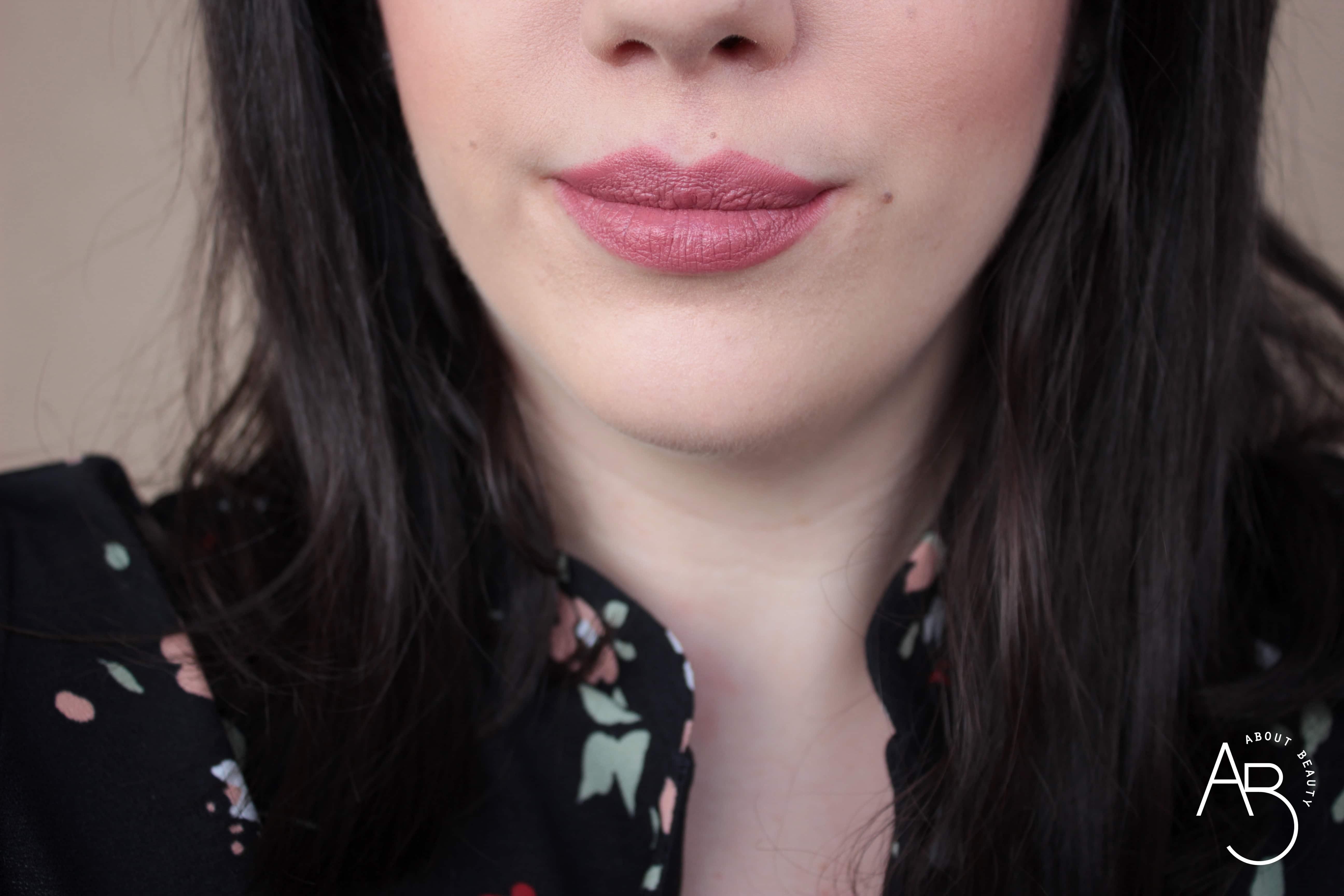 Nuovi rossetti newDElicious Dessert a Levres Neve Cosmetics 2019 - Info, review, recensione, opinioni, swatches, data uscita, prezzo, sconto - Cocoa Cupcake
