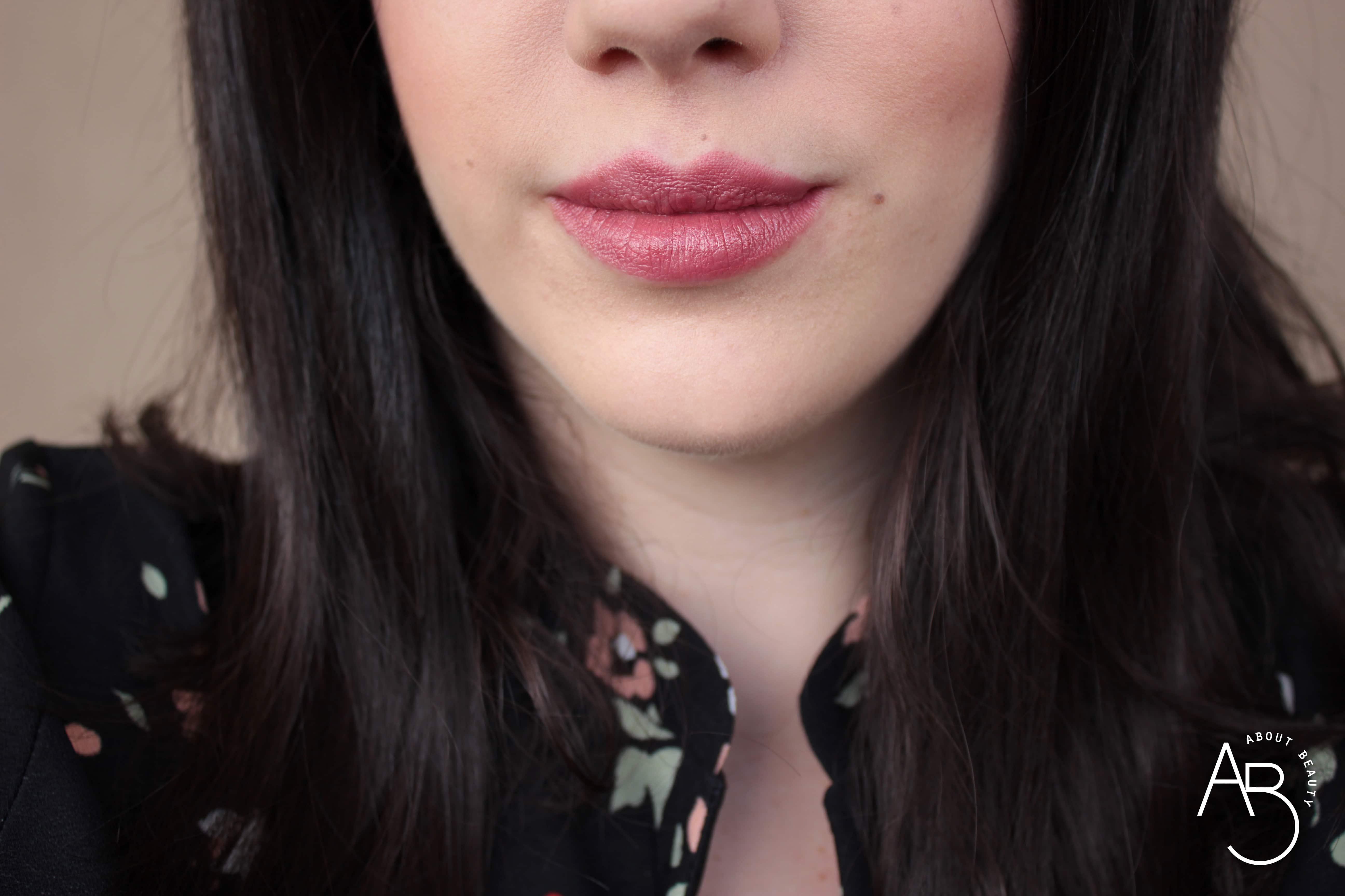 Nuovi rossetti newDElicious Dessert a Levres Neve Cosmetics 2019 - Info, review, recensione, opinioni, swatches, data uscita, prezzo, sconto - Vanilla Soufflé