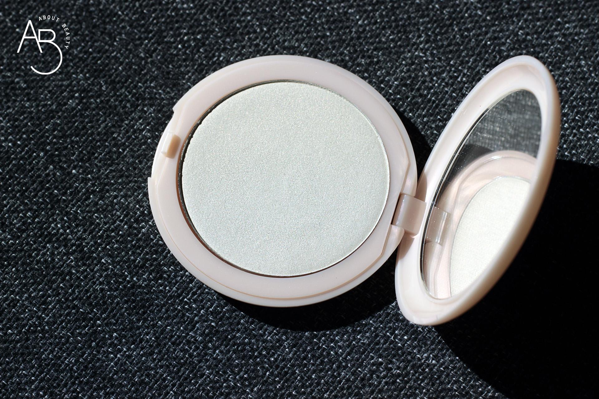 Neve Cosmetics Glass Glow cipria illuminante Flat Perfection - review recensione info codice sconto prezzo swatch